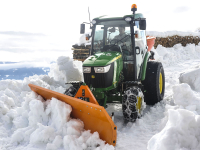 john_deere_snow_fox_1.jpg